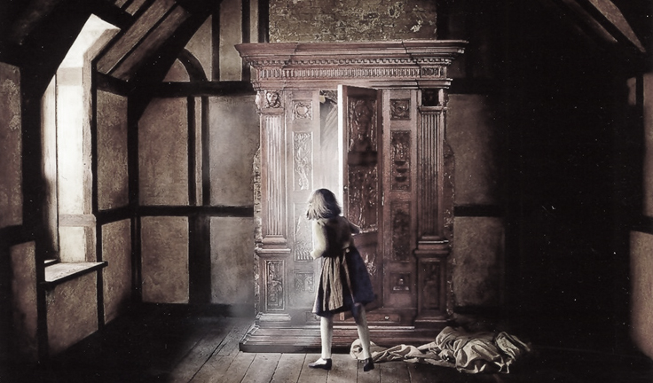 scary-ghost-stories-for-kids-at-halloween-wardrobe