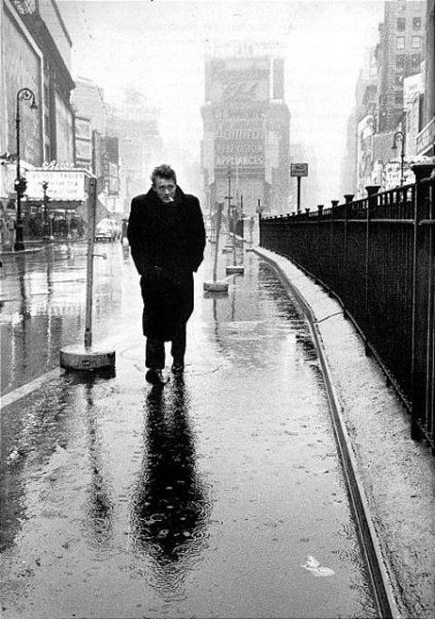 james-dean-no-umbrella-rain